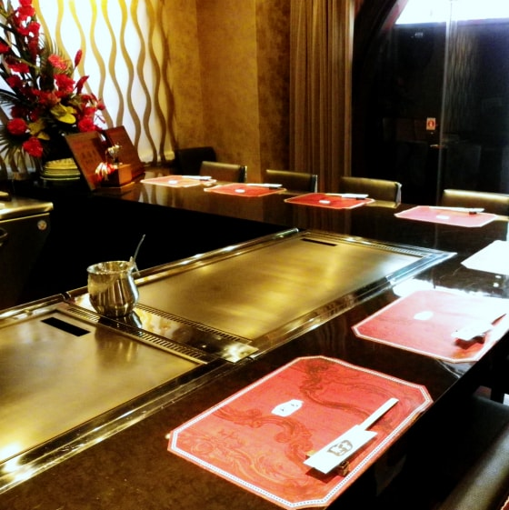 【All seats】 The presence is different! Counter seat with iron plate in front